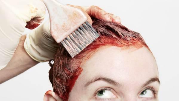 Kako ukloniti farbu sa kose (5 najefikasnijih metoda)