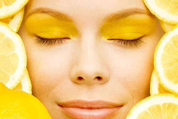 Limun i sok od limuna za lice bez akni i bubuljica