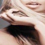 Kako posvetliti kosu prirodno – kamilicom, cimetom, hidrogenom, sodom bikarbonom…