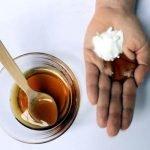 soda bikarbona i med za lice