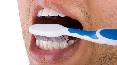 kako skinuti zubni kamenac